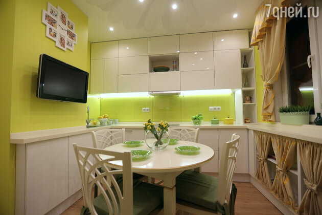 Обновляем маленькую кухню