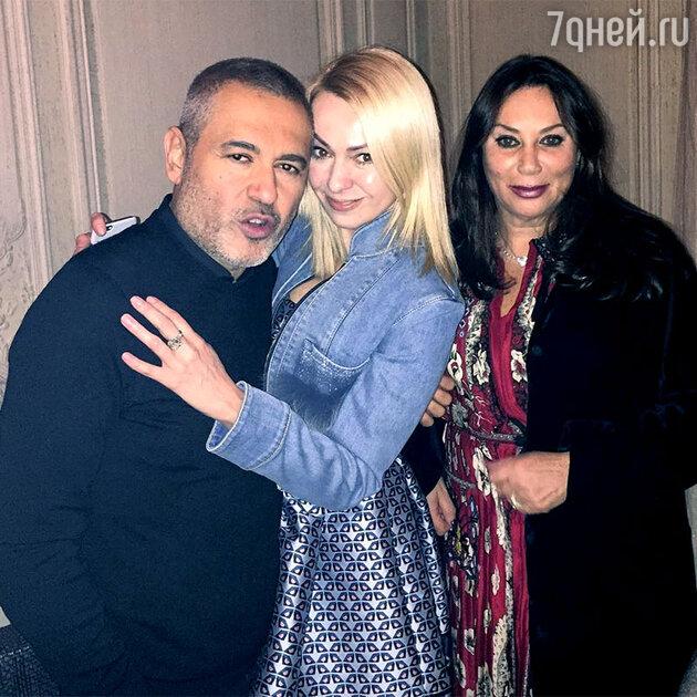 Яна Рудковская и Алла Вербер с дизайнером Elie Saab в Париже