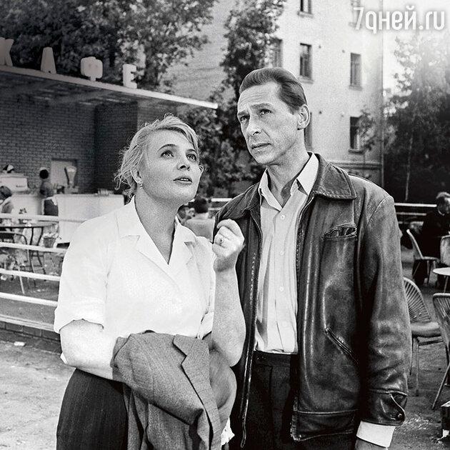 Олег Ефремов и Татьяна Доронина в фильме «Три тополя на Плющихе». 1967 г.