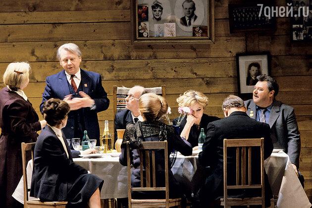 Артисты МХАТа в спектакле «Серебряная свадьба». 1986 г.