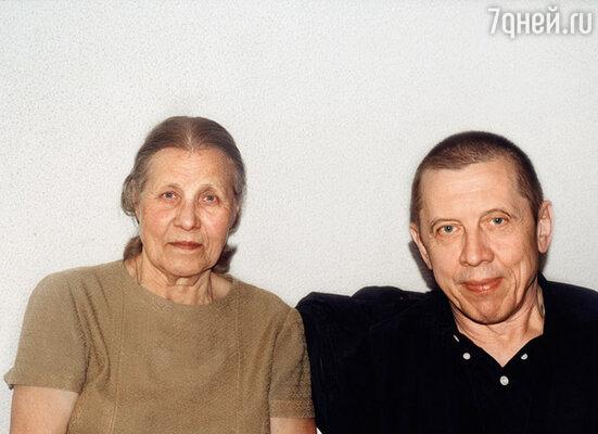 Бабушка была против моих отношений с Золотухиным и приняла его только после рождения правнука