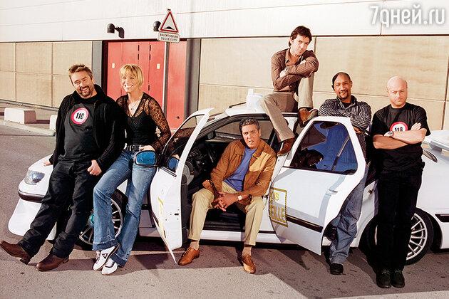 Сами Насери с Люком Бессоном и командой фильма «Такси»