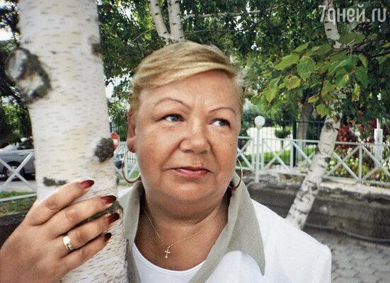 Елена Ивановна такого графика не выдержала... И наш брак аннулировала