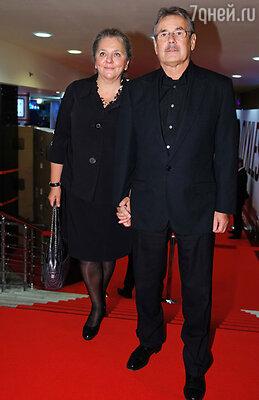 Павел Чухрай с супругой