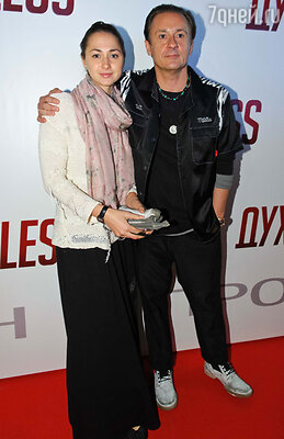 Олег Меньшиков с супругой