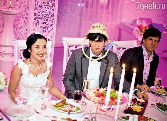 Дима лишний раз решил доказать, что у него нестандартная свадьба