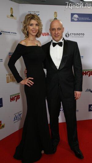Денис майданов с женой Натальей