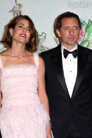 Шарлотта Казираги родила сына от французского комедийного актера Эльмалеха Гада
