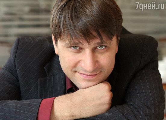 """Виктор Логинов (сериал """"Счастливы вместе"""")"""