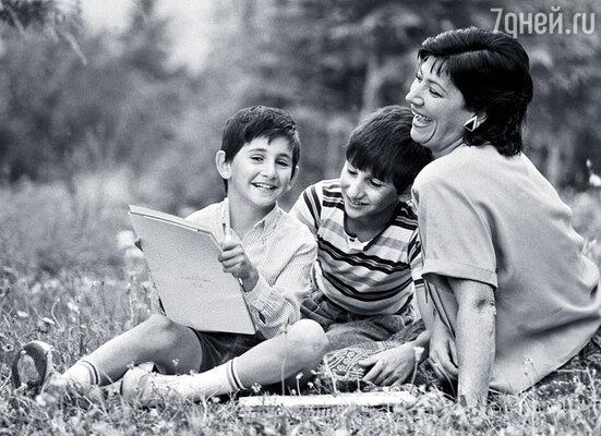 С внуками Леваном и Георгием