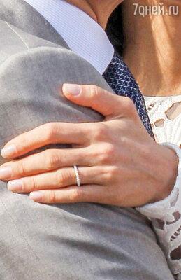 Обручальное кольцо Амаль гораздо скромнее помолвочного стоимостью в 650 тысяч долларов