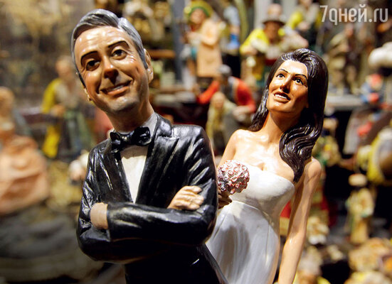 Местные умельцы уже выпустили сувениры к«свадьбе года» —фигурки жениха иневесты