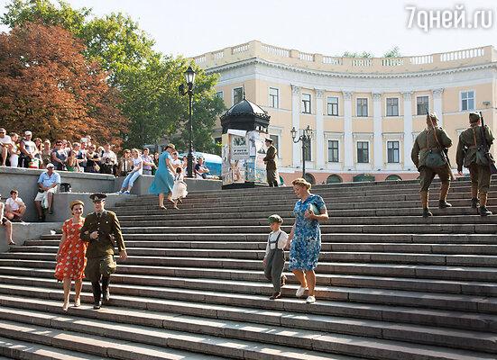 Съемки проходили взнаковом месте Одессы — на Потемкинской лестнице