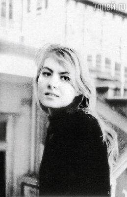 Литвинова — первокурсница сценарного факультета ВГИКа. 1984 г.