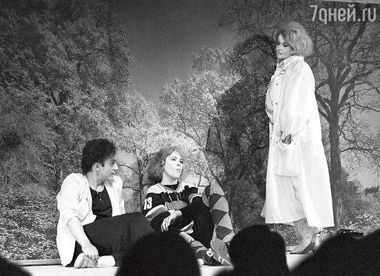 С Татьяной Дорониной иТатьянойДогилевой в постановке «Спортивные сцены 1981 года»