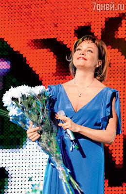 Татьяна Буланова  на концерте «Звезды— слюбовью!» 2012 г.