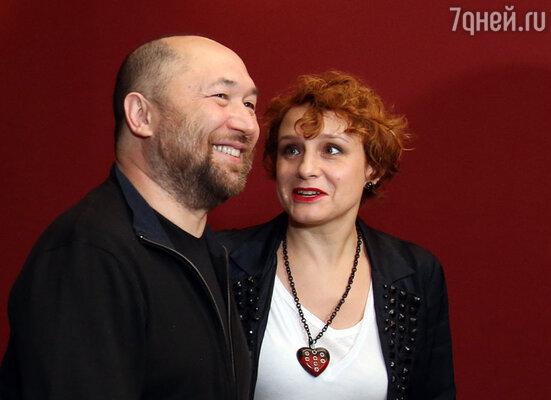 Тимур Бекмамбетов с женой Варварой Авдюшко создали фонд помощи детям, больным врожденным иммунодефицитом и аутоиммунными заболеваниями «Подсолнух»