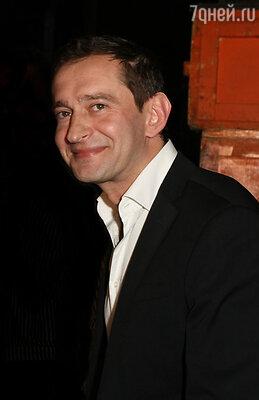 Константин Хабенский создал Благотворительный фонд в 2008 году. Здесь помогают детям с онкологическими и другими тяжелыми заболеваниями головного мозга