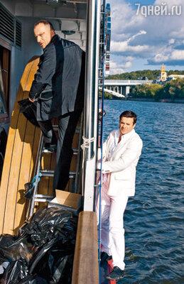 По сценарию герой Нагиева ловит героя Сергея Астахова, а потом бесстрашно кончает его в машинном отделении яхты
