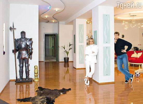 Татьяна Буланова и Владислав Радимов с радостью избавились бы от колонн, не будь они несущими