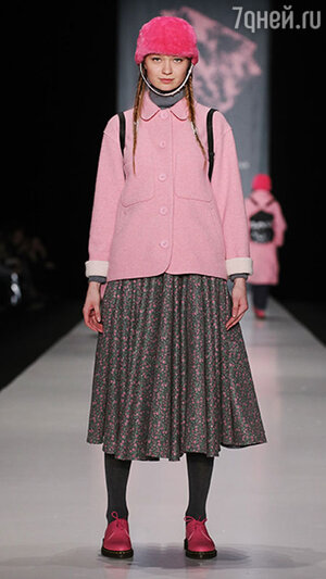 Модель показа ХакаМа в рамках Mercedes-Benz Fashion Week