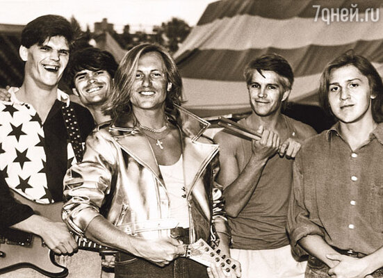 Сергей Челобанов со своей группой «Н-бенд»