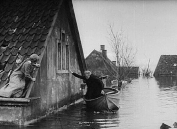 Одним из первых фильмов о всемирной катастрофе стал «Конец света», снятый еще в 1916 году