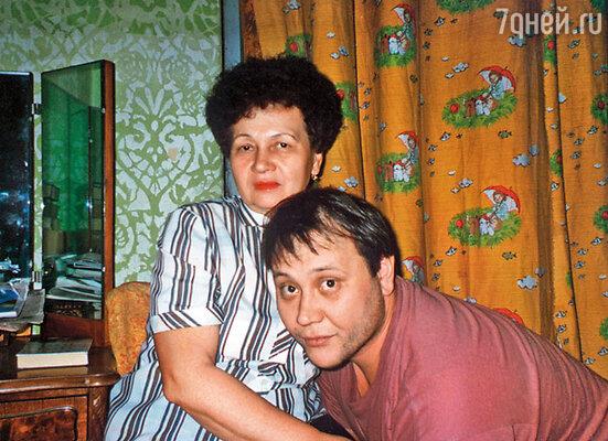 Маму с сыном связывала нежная любовь