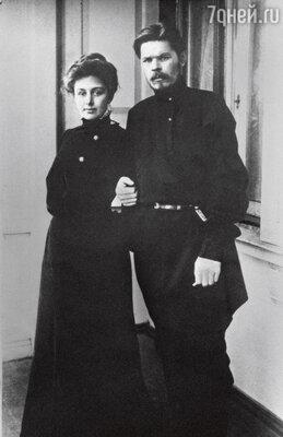 Беда в том, что еще ближе Саввы сделалась Горькому Cаввина протеже и любовница — актриса Мария Андреева. 1905 г.