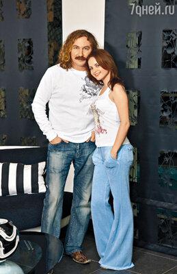 На счет прочности союза Игоря Николаева и его девушки Юли мнения экспертов разделились