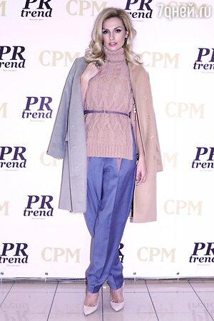 Александра Савельева в наряде от Pepen на открытии выставки моды Collection Premiere Moscow в «Экспоцентре»