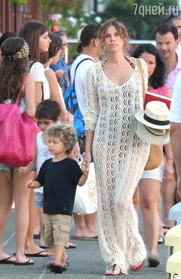 С сыном Аароном Александром в Сен-Бартелеми 2012 год