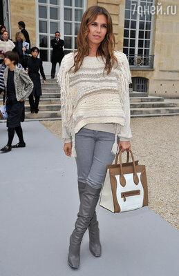 На показе зимней коллекции Кристиана Диора. Парижская Неделя моды 2012 год