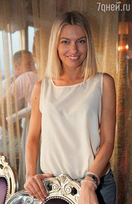 Антонина Клименко «Мобильные блондинки»