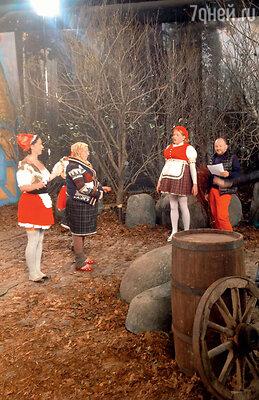 На съемках мюзикла «Красная Шапочка». Вглавной роли — Андрей Данилко