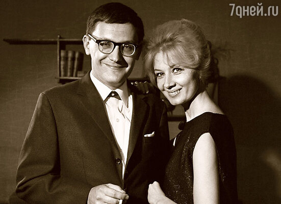 Алла Демидова с мужем, сценаристом Владимиром Валуцким, 1969 г.