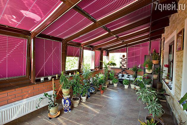 «Самое романтичное место — мамин зимний сад на втором этаже. Мне хотелось, чтобы у мамы в душе всегда была весна»