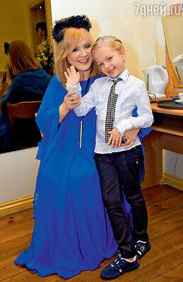 Алла Пугачева и победительница «Детской Новой волны» Настя Петрик