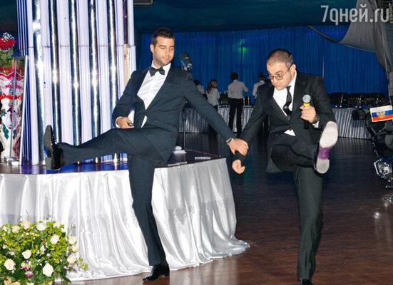 Танец от Ивана Урганта и Гарика Мартиросяна