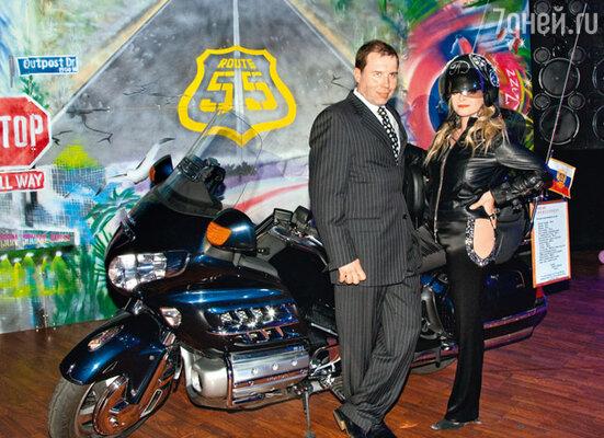 Муж Ларисы Илья Спицин обожает крутые мотоциклы