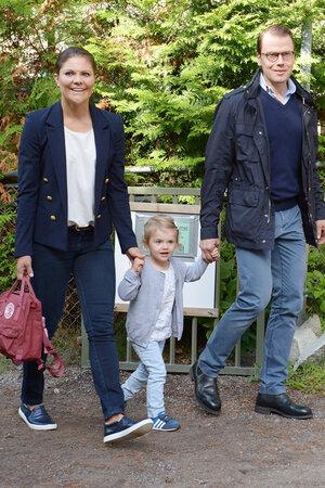 Принцесса Виктория и герцог Даниэль с дочерью Эстель