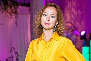 Тренд недели: желтые платья