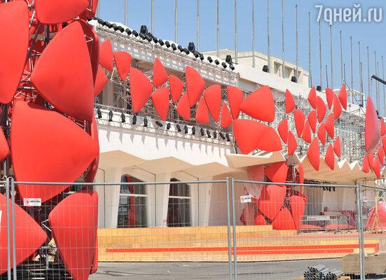На острове Лидо идут последние приготовления к 69-му Венецианскому кинофестивалю