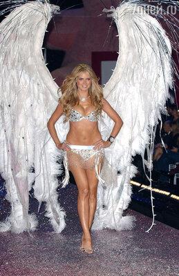 На показе суперпопулярного бренда нижнего белья «Victoria's Secrets»