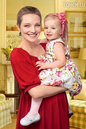 Екатерина Вилкова с дочерью Павлой