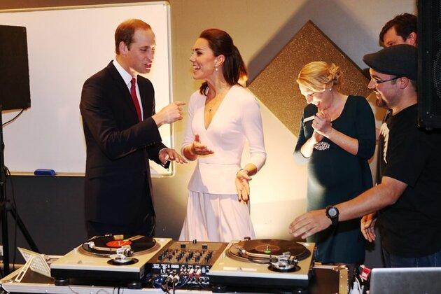 Кейт Миддлтон и принц Уильям в музыкальном центре Northern Sound