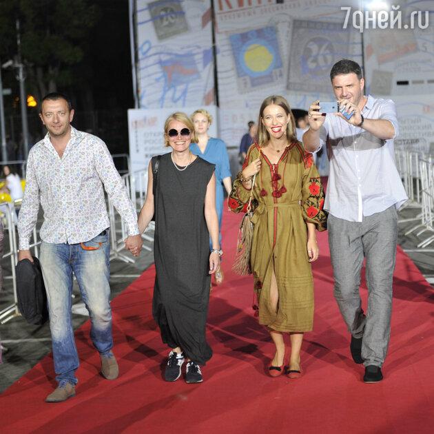 Виктория Толстоганова, Алексей Агранович, Ксения Собчак и Максим Виторган