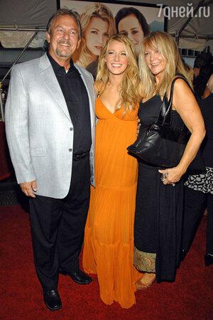 Блейк Лайвли с родителями