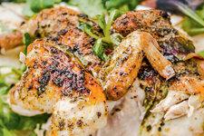 Рецепты отЮлии Высоцкой: цыпленок с аджикой и майораном, необычная яичница по-итальянски итворожное суфле сапельсином