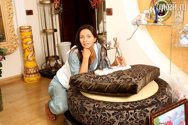 Татьяна Навка выглядит абсолютно счастливым человеком, который находится в полной гармонии с собой и с окружающим миром